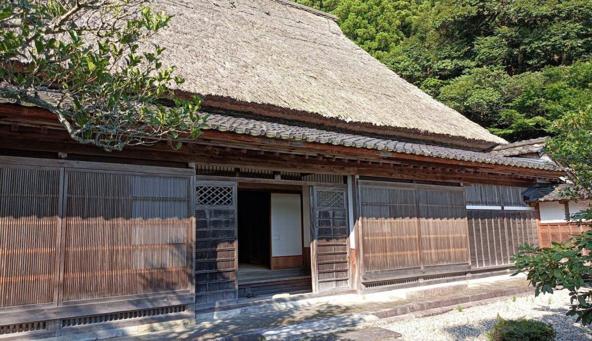 【宝達志水町】石川県指定有形文化財である「岡部家」